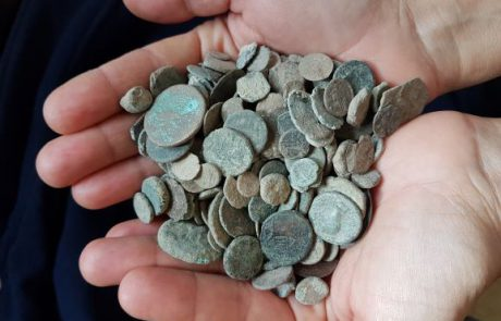 כפר כנא: מאות מטבעות עתיקים נתפסו בביתו של שודד עתיקות בגליל